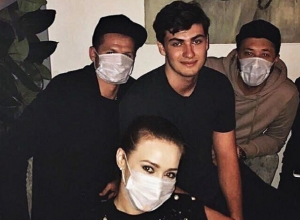 Дмитрий Тарасов и его ростовская любовница в масках пришли к сыну миллиардера