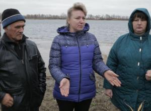 На защиту своей земли против строительства Багаевского гидроузла вышли жители станицы Манычская
