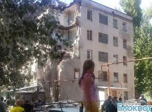 В Новочеркасске обрушилась стена 5-этажного жилого дома