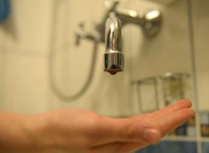 Тысячи ростовчан решили оставить без воды из-за работ на водопроводе