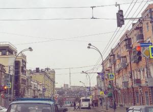 Появление видеокамер-детекторов на центральном перекрестке Ростова возмутило автомобилистов