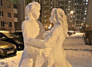 Очаровательные снеговики, кружащиеся в ритме вальса, восхитили ценителей прекрасного из Ростова