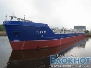 В Ростовской области танкер «Титан» сняли с мели