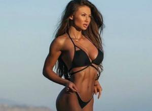 Роскошная «богиня фитнеса» в секс-бикини призвала девушек Ростова активно готовиться к лету