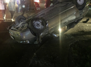Потерявший управление ростовский водитель загнал в больницу себя и пассажира