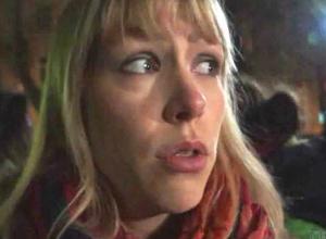 Скандальным метанием торта в лицо активистки «Открытой России» завершилась премьера фильма о Немцове в Ростове
