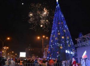 Тогда и сейчас: путешествие главной елки Ростова и старый Новый год