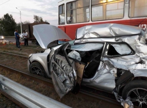 В Новочеркасске водитель «Киа» погиб при столкновении с «ГАЗелью»