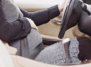 Ростовчанка на 9-м месяце беременности ударилась животом об руль в ДТП на улице Таганрогской
