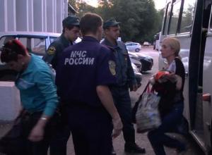 Из Ростова вылетел первый авиарейс МЧС с беженцами из Украины