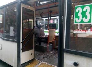 Бетономешалка столкнулась с автобусом под порогом ростовской мэрии