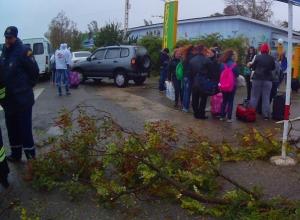 На Дону из-за непогоды из лагеря эвакуировали 1200 детей-участников форума «Движение-это жизнь»