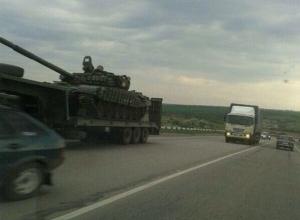 Очевидцы сообщают о движении военной техники по территории Ростовской области к границе с Украиной