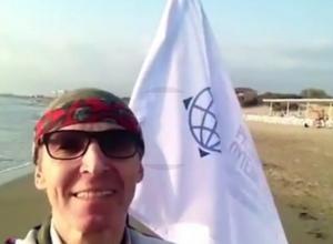 Весь земной шар отправился покорять на инвалидной коляске позитивный житель Ростовской области