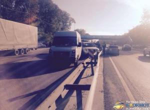 В Ростовской области на М-4 «Дон» столкнулись 5 авто: трое травмированы