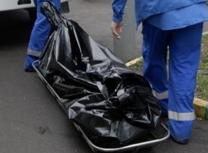 Загадочный труп мужчины обнаружили на улице Малиновского в Ростове