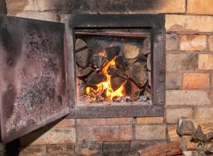 Обжег ягодицы при пожаре в собственном доме неудачливый житель Ростовской области
