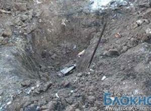 В Ростовской области 37-летняя мать и 15-летний отец закопали в огороде сына
