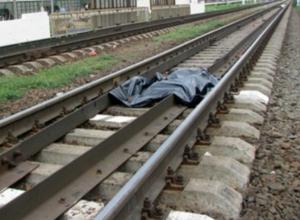 Мгновенная гибель женщины под колесами электрички ужаснула прохожих в Ростове