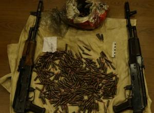 Арсенал боевого оружия и гранат изъяли у мужчины под Ростовом
