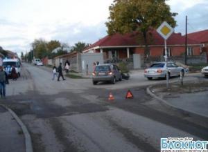 В Ростове иномарка сбила двухлетнюю девочку на тротуаре