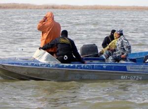 Огромный улов, катер и сети изъяли у молодого браконьера в Ростовской области