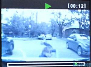 Видеорегистратор зафиксировал ДТП с 4-летним ребенком в центре Ростова