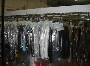 В Ростове сотрудница химчистки «Чистюля» осуждена за кражу платья от Ив Сен Лоран