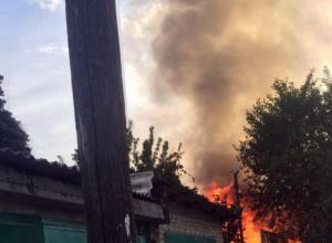 Крупный пожар разыгрался неподалеку от онкологической больницы Ростова