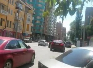 Топ-3 самых наглых способов парковки в центре Ростова записал на видео бдительный ростовчанин