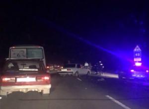 Массовое ДТП с вылетом одного из участников в кювет случилось в Ростовской области