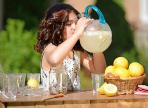 Бесплатно «выпить и покушать» под аккомпанемент любимых групп смогут ростовчане на уникальном «Лимонад Фест»