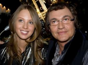 Дмитрий Дибров с женой планируют рождение дочки