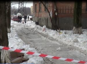 Возбуждено дело по гибели ростовчанки от снежной глыбы: подозреваемые – сотрудники ЮФУ