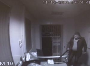 Камеры наблюдения зафиксировали нападение бизнесмена на таганрогский банк, отказавший ему в кредите