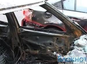 В Ростове хулиганы спалили автомобили Lexus, Toyota и ВАЗ 2114