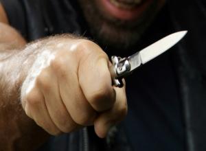 Серию ударов ножом в грудь получил от молодого собутыльника житель Ростовской области