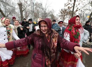 Ростовчане встали в многочасовую пробку и не попали на праздник из-за визита губернатора