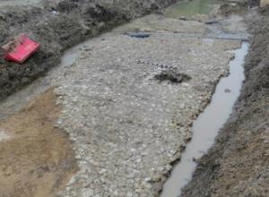 Отлично сохранившийся участок мостовой дореволюционной эпохи откопали ученые в Ростове