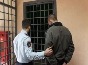 Не на того напал: в Ростове рисковый мужчина ограбил работника прокуратуры