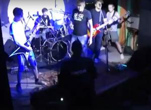 Внезапное появление бойцов ОМОН в баре Ростова попало на видео