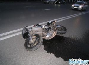 В Ростове в ДТП с «Хондой» и «Фордом Фокусом» погиб мотоциклист. ВИДЕО