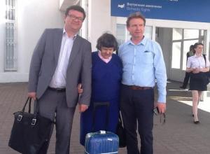 Мама Савченко прилетела в Ростов на день рождения дочери