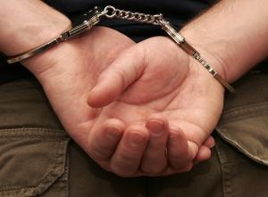 Таганрожец получил 18 лет «строгача» за убийство, угон машины, разбой и вымогательство