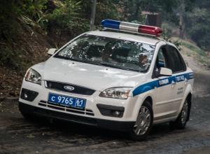 Водитель иномарки в Ростове бампером откинул прохожих с пешеходного перехода