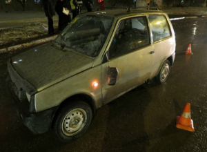 Молодого сумеречного бегуна «поймал» на капот своего автомобиля водитель «Оки» под Ростовом