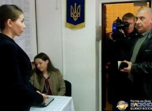 В Ростове беженцам из Донбасса отказывают в участии в выборах Верховной Рады. Видео