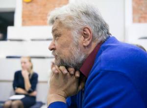 Власти пытаются закрыть глаза людей на проблемы погорельцев Ростова, - Александр Водяник