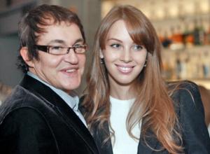 55-летний Дмитрий Дибров станет отцом в пятый раз