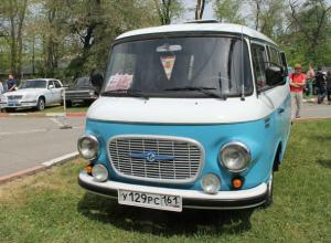 Начищенные до блеска ретро-автомобили напомнили ростовчанам о былом качестве автопрома